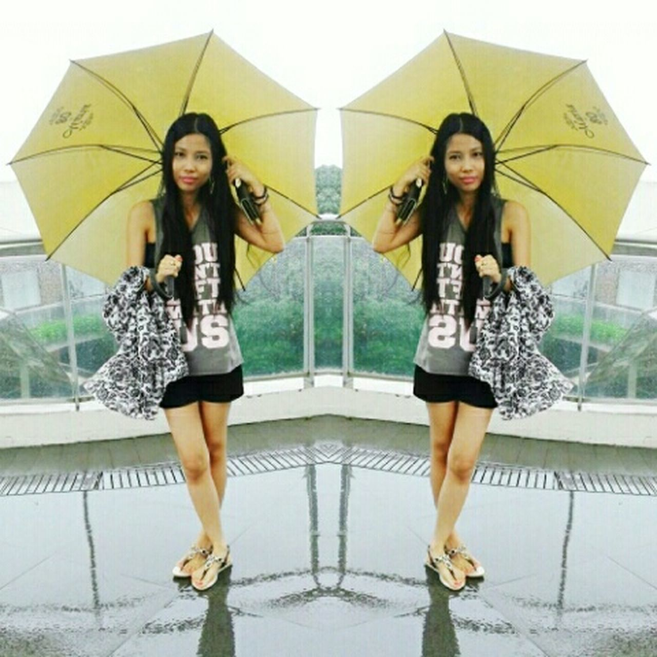 The Fashionist - 2015 EyeEm Awards Street Fashion Raining Outside Rainy Days Let's Do It Chic! Casual Look Casual Day Ootd No Makeup Filipina