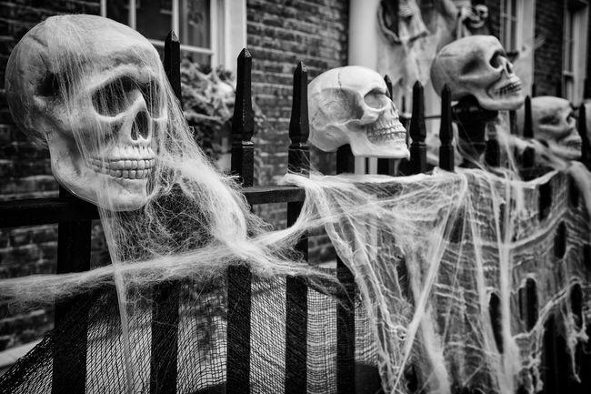 Halloween Black & White Capture The Moment Up Close Street Photography Streetphotography Streetphoto_bw Film Noir LONDON❤ Horror Building Exterior Halloween