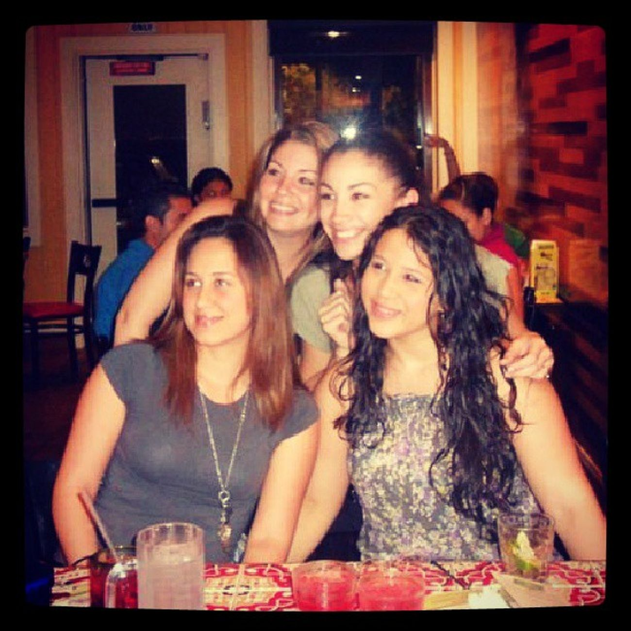 Tbt... lol @pcoss we were holding hands lol Weird Ulovedme Chilis !! @eriika0527 @beatrizz