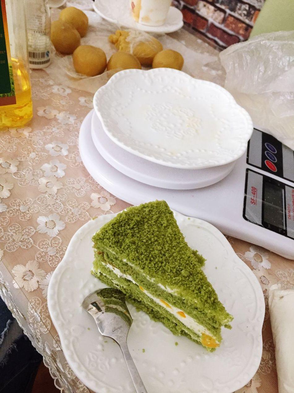 边享受下午茶边学做月饼。