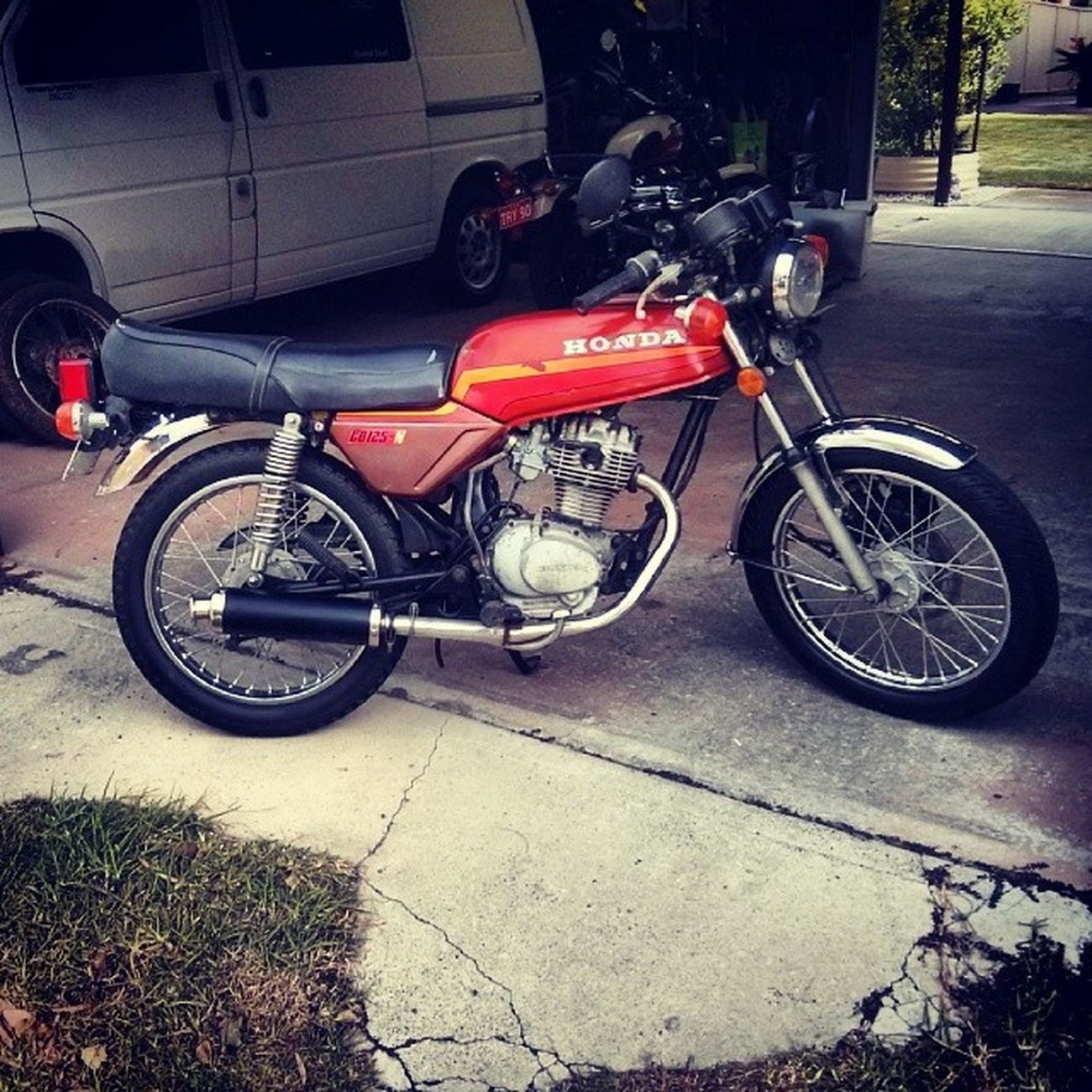 Brb off racing to the cafe. Caferacer Cb Cb125 honda vintage