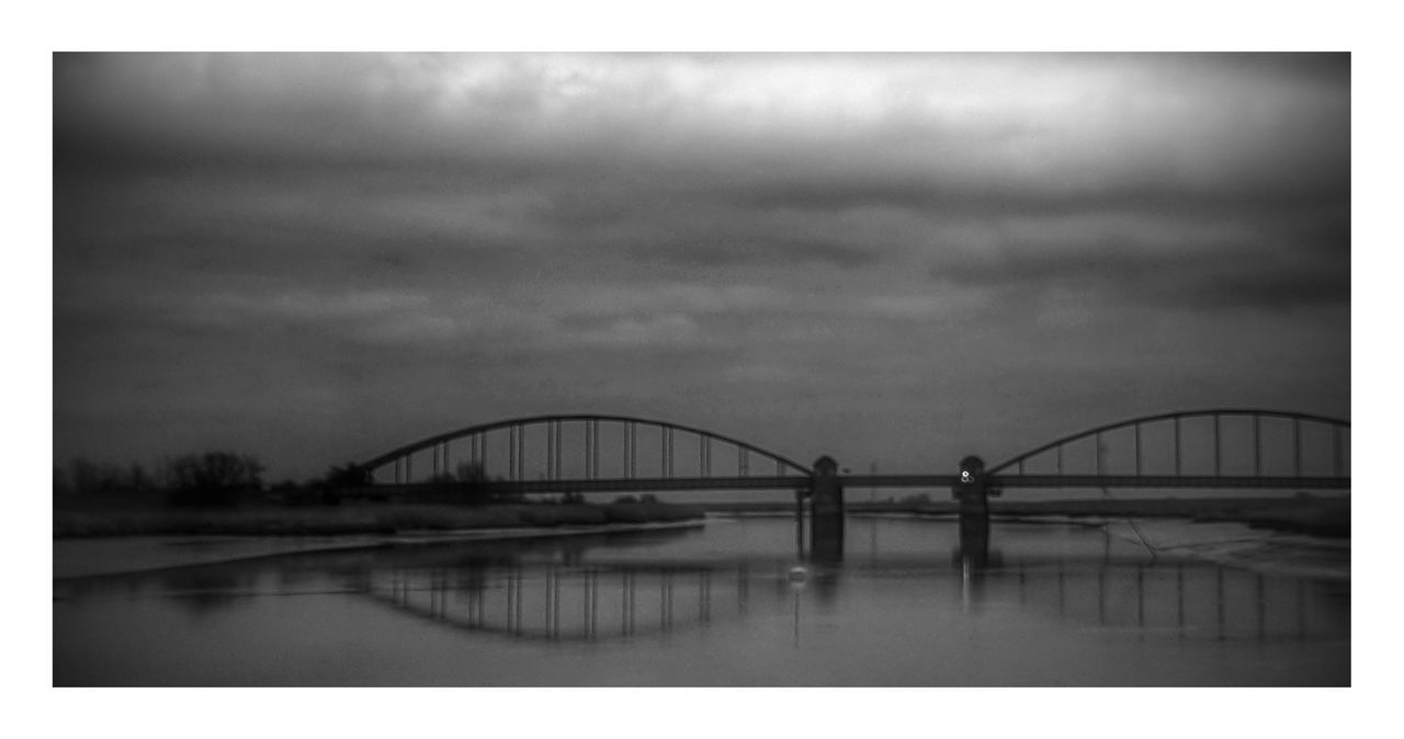 Bridge - Man Made Structure City River Travel Destinations Storm Cloud Sky Architecture Brücke Stahlbrücke Eider Eiderstedt Friedrichstadt Düster Gloomy Horror Grey Grey Sky Grau Winter Outdoors No People Best EyeEm Shot
