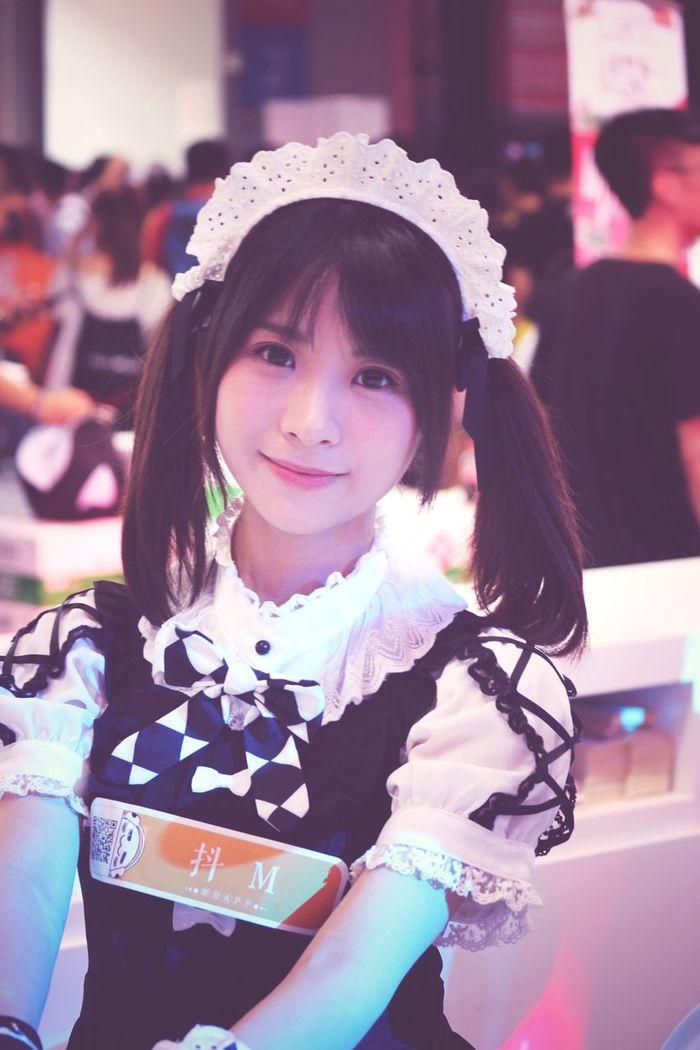 美丽的sg,表情很自然,很配合拍照 上海 Chinajoy Showgirl