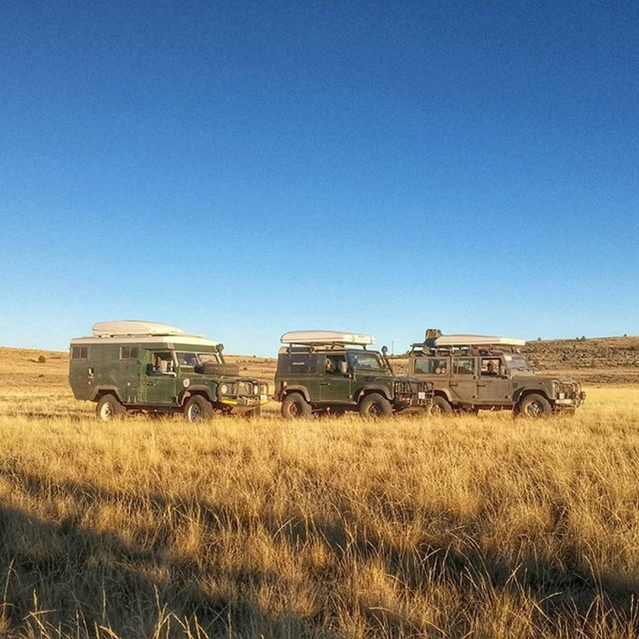 ...Defenders in their natural environment. Landrover  Defender110 Defender90 Landroverdefender Landrover130 D90 D110 Defenderrvp Adventuremobile Overlanding Wndrlst Exploregon Steens Alvord Overlanding