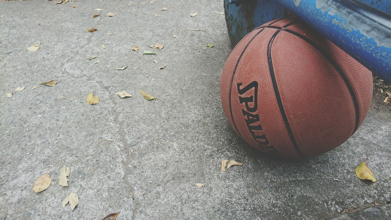 Sport Day Ball Outdoors Enjoying Life Everyday Education My Year My View The Glitter Day Taking Photos EyeEm The View From My Window Full Frame Eye Em Around The World On A Holiday EyeEmNewHere No People Basketball