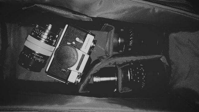 Old but Gold :) Leica Sl, 28-70mm, 50mm, 135mm, 28mm. Leica SL Retro Germany Blackandwhite Black&white My Set Up My Retro Setup Leicacamera Leitz
