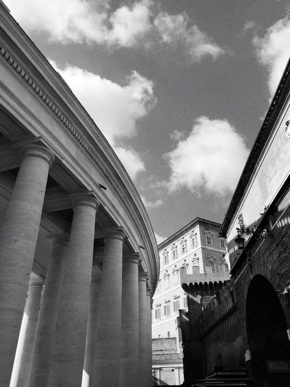 Columns Borgo Pio Gate Marble IPhoneography Learn & Shoot: Balancing Elements The Architect - 2016 EyeEm Awards