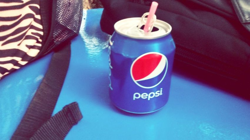 Having a lil refreshment Enjoying Life Hanging Out Taking Photos Relaxing Everyday Joy Lil Pepsi