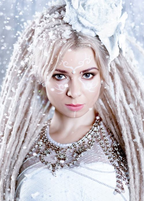 Portrait Only Women Beautiful People Looking At Camera One Woman Only Beautiful Woman Beauty Females Adults Only Women One Person Human Face Adult One Young Woman Only Human Body Part Elégance Fashion Headshot People Frozen Snow Queen