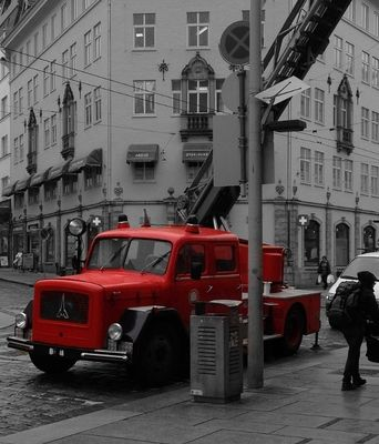 Old fire truck in Bergen by Veronica