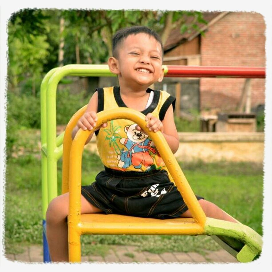 teach our children with smile and gentle words, they'll to love. teach our children by shouting and harsh word, they'll learn to hate... and in this world we living in right now, which way we teach our children??? #PrayforBoston Portrait INDONESIA Children Pray For Boston