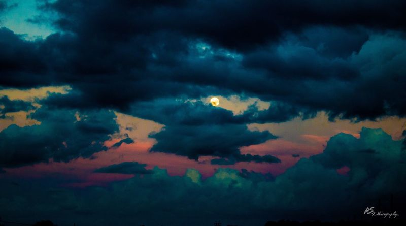 Moon Rising Cloud - Sky Sky Scenics Beauty In Nature Nature No People Outdoors Tranquility Tranquil Scene Water Sunset Night Storm Cloud Moon Sunset_collection Live For The Story
