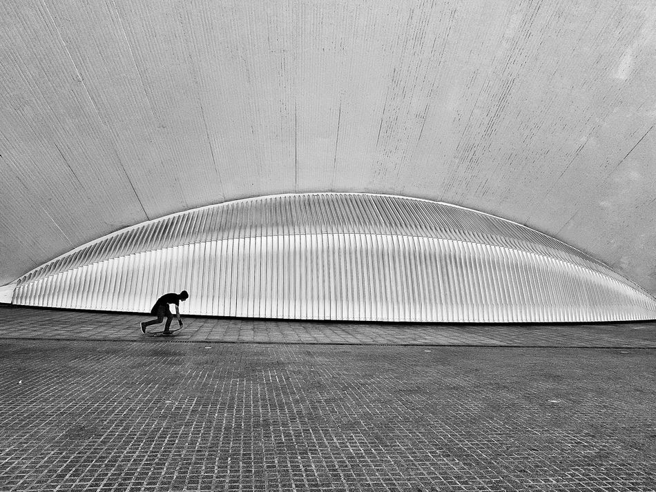 Art Is Everywhere One Person Pattern Full Length One Man Only Architecture Black And White Monochrome Skateboarding Skateboard Oval Shape Concrete Minimalism Curve Fun Hobby Skater Skaterboy Sport Grey Lines Geometric Geometric Shape