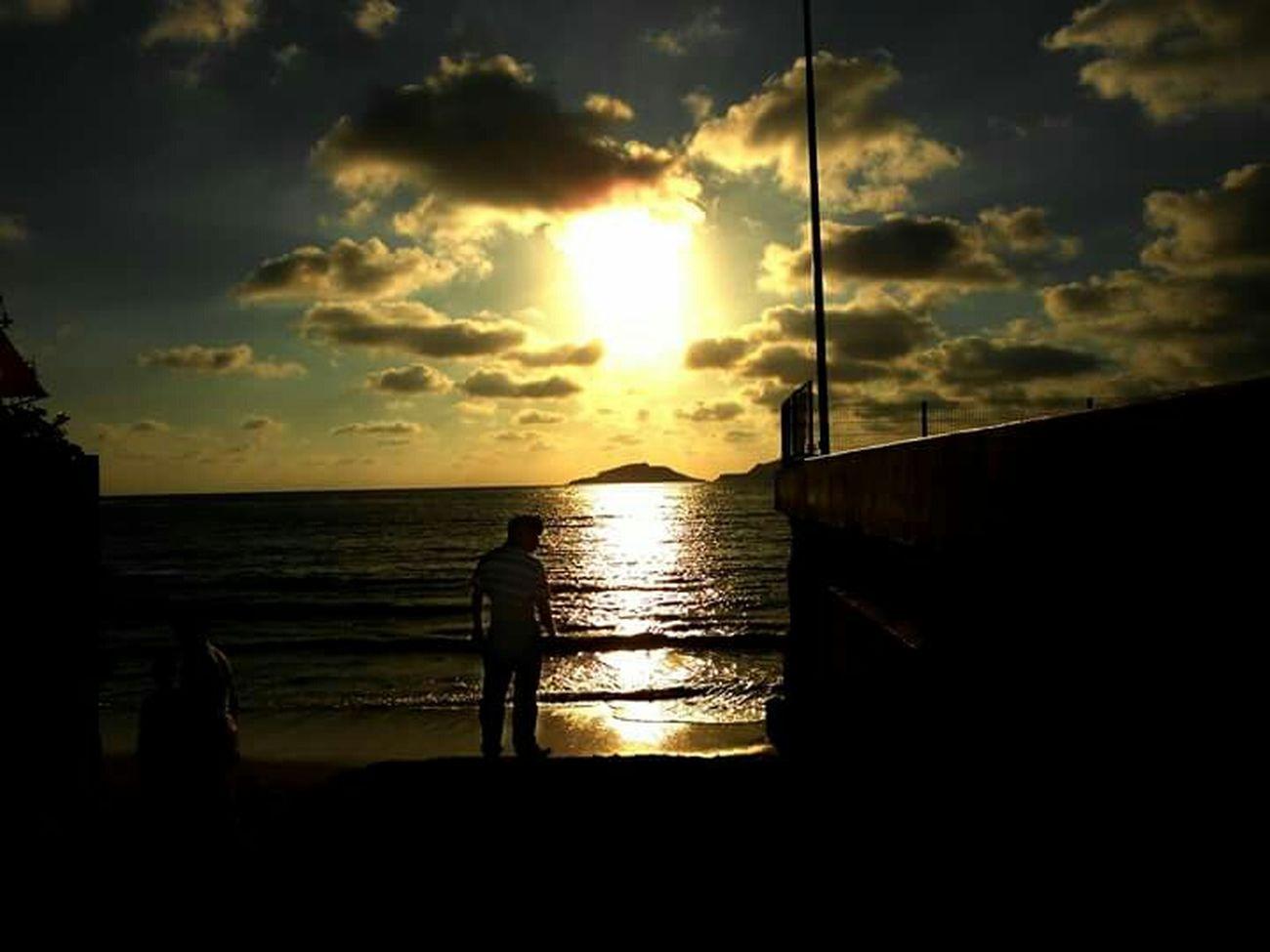 El mar tan relajante como la lluvia Expression Emosional Asdfghjkl Paisaje Natural Natural Paisaje Atardecer Mazatlan🌊 Cielo