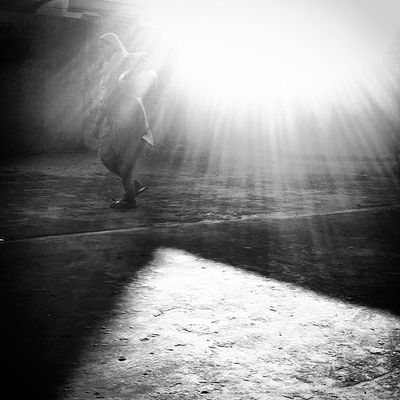 the daily light! Js Street Woman Light Ray Daily Life Dailybest Pictureoftheday Photography Photojournalism Documentary IPhone Iphoneonly Insta Instapic Instagood Webinsta Instagram Chottogram The Street Photographer - 2017 EyeEm Awards