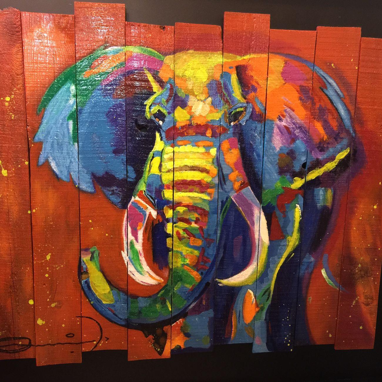 Toneladas de Suerte by Mónica de Arciniega Elephant Tonsofluck Streetart