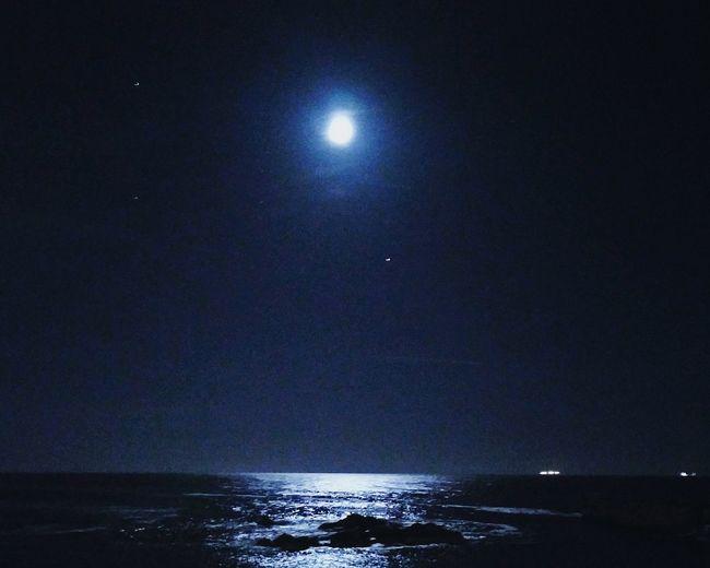 Endless summer nightsNights Summer Nights Tranquility Night Waves Ocean Beach Beachatnight Goodvibes Portuguese Beach Chiiling