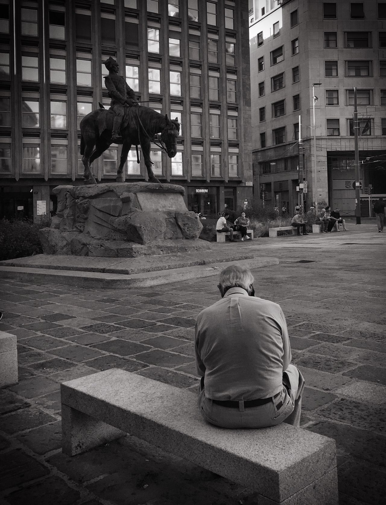 Statue Man Sitting Man Sitting On A Bench Bench Blackandwhite Photography Black And White Photography B&w Street Photography Statues People And Places Monochrome Photography
