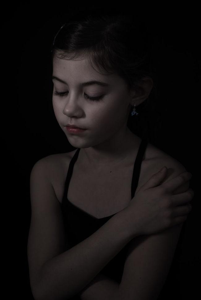 Girl Rembrandt Light Softness Fragility Nikonphotography Photographer Josienvangeffen