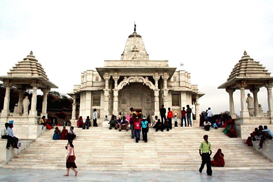 Templea:India]iArchitecturerBuildingnWhitetEnjoying LifefTravelingnViewew People Check This Out