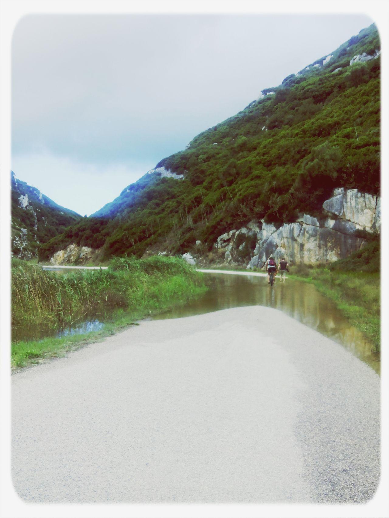 Landscape Rio Alcabrichel e a estrada privada..