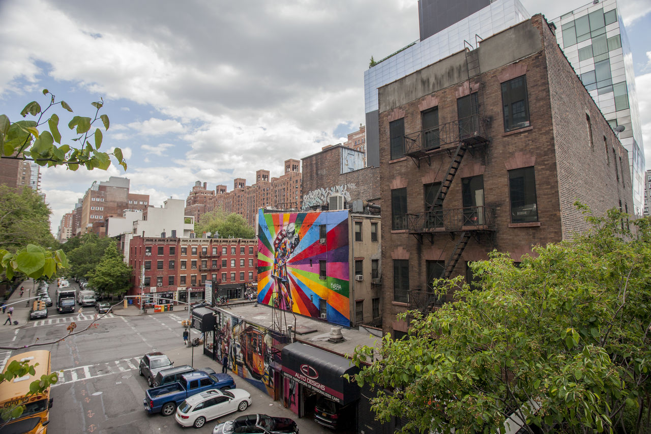 High Line Apartment Architecture Big Apple Building Built Structure City City Life Color Community Grafitti Art. High Line Manhattan High Line Park, Nyc New York City Outdoors Painting Parking Residential Building Skyscraper Street Urban USA