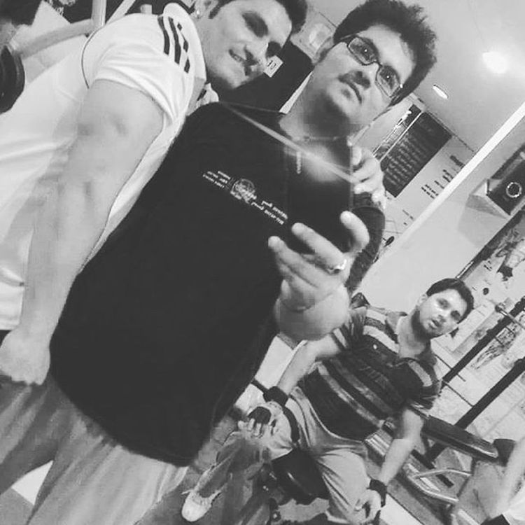 Taking Photo GymTime Workoutharder Wid Gymtrainer