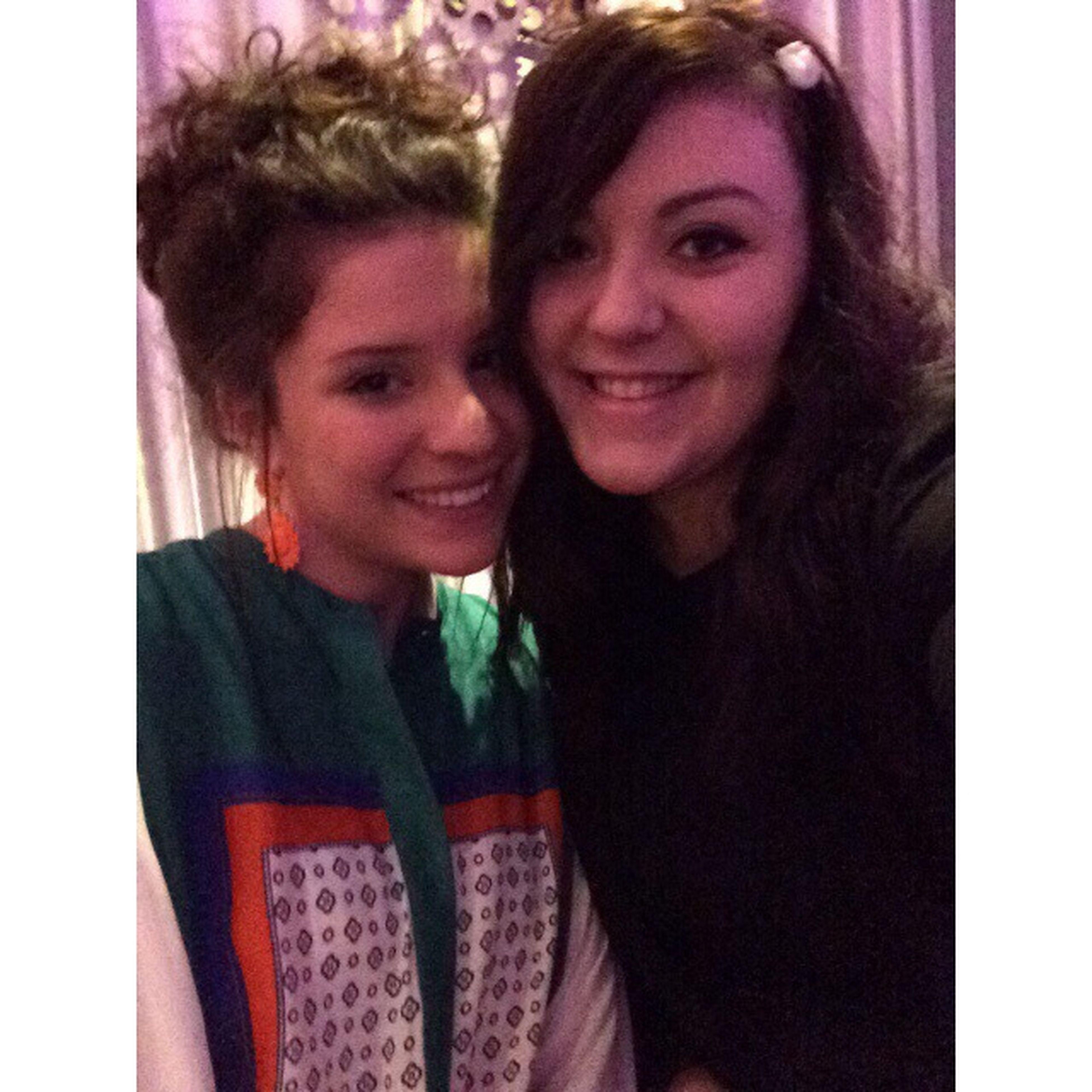 👭🍸 Bestfriend Night Hanging Out Drinks Selfie