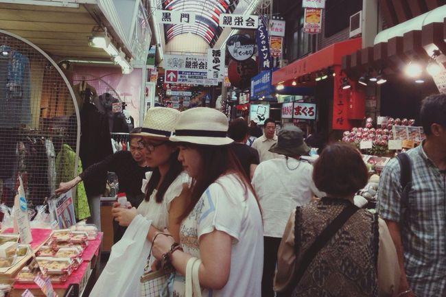 大阪*黒門市場the biggest market in Osaka Kuromon Ichiba Market 活気🤑There is lively with shoppers