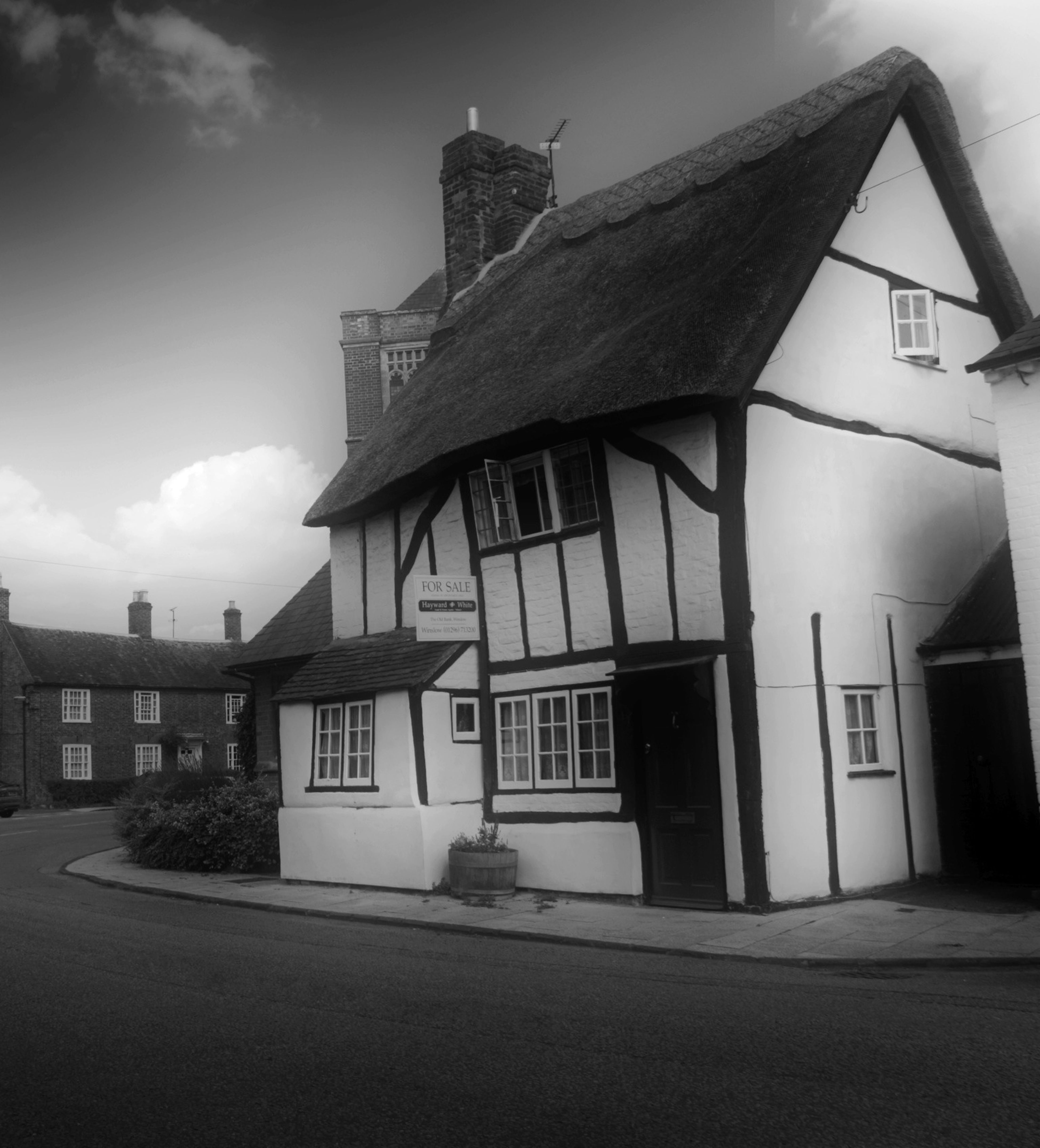 Ye Olde Housey Poo !!! Old English House Old House Black And White Old Architecture