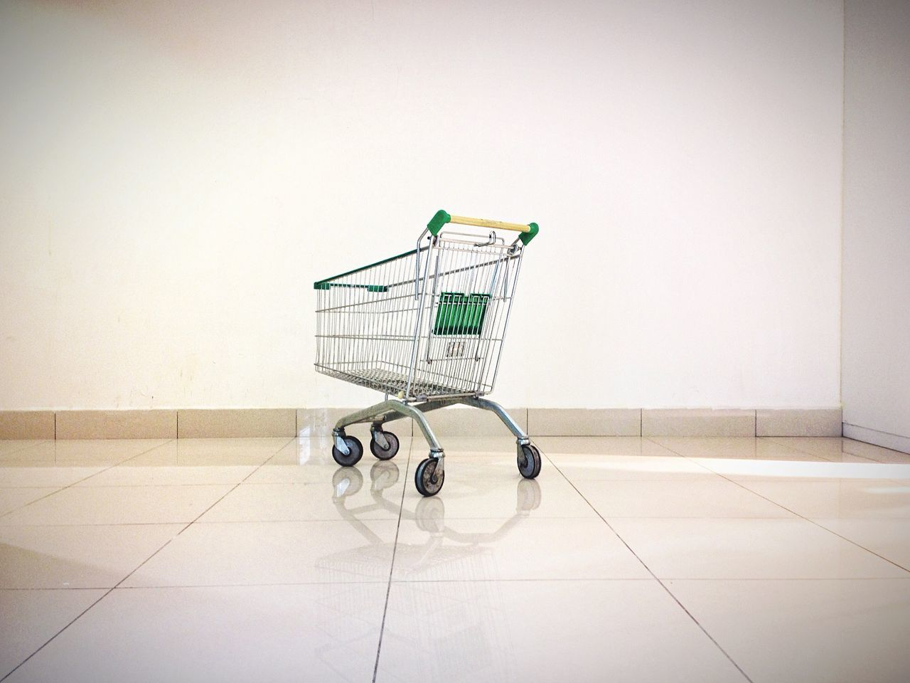Beautiful stock photos of shopping, Day, Empty, George Town, Indoors