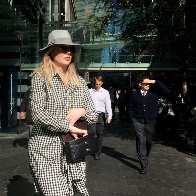People Watching | Chequered Lady | Streetphotography | The Street Photographer - 2016 EyeEm Awards