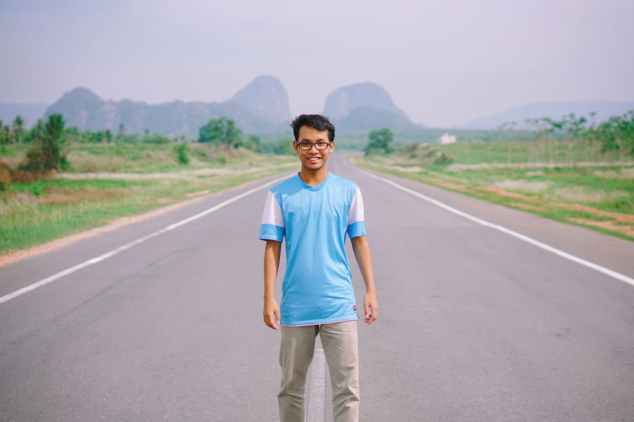 Beautiful stock photos of neujahr,  18-19 Years,  Asian Ethnicity,  Day,  Front View