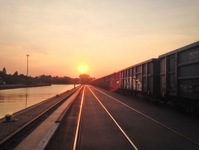 Brinker Hafen Eisenbahnfotografie Güterbahnhof Mittellandkanal Outdoors Rail Transportation Railroad Track Railroad Tracks Sunset