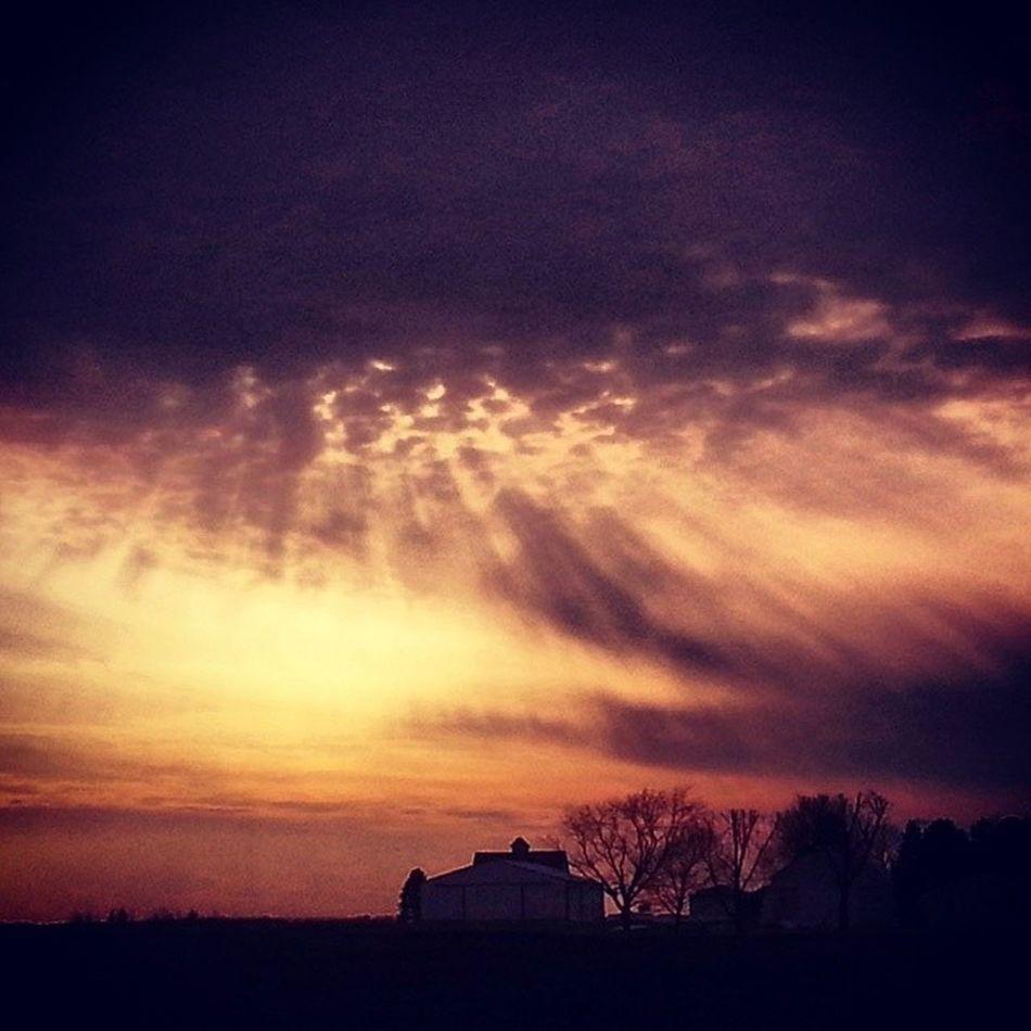 Tracyj2472 , Theweatherchannel , Tracyjule , Manhappenins , manhattan, Illinois, sunset, skyporn, clouds