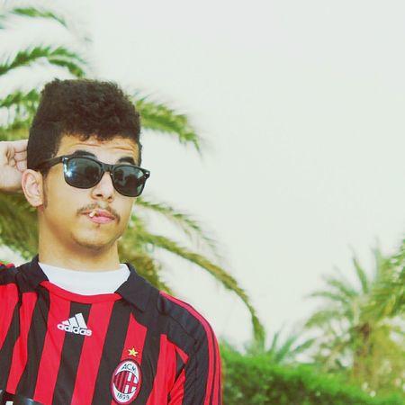 Taking Photos Hi! That's Me مسواك