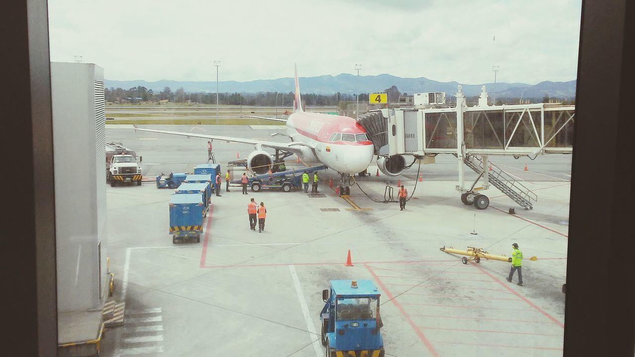 Aeropuerto Avion Medellin Colombia Aviancatodo un lujo