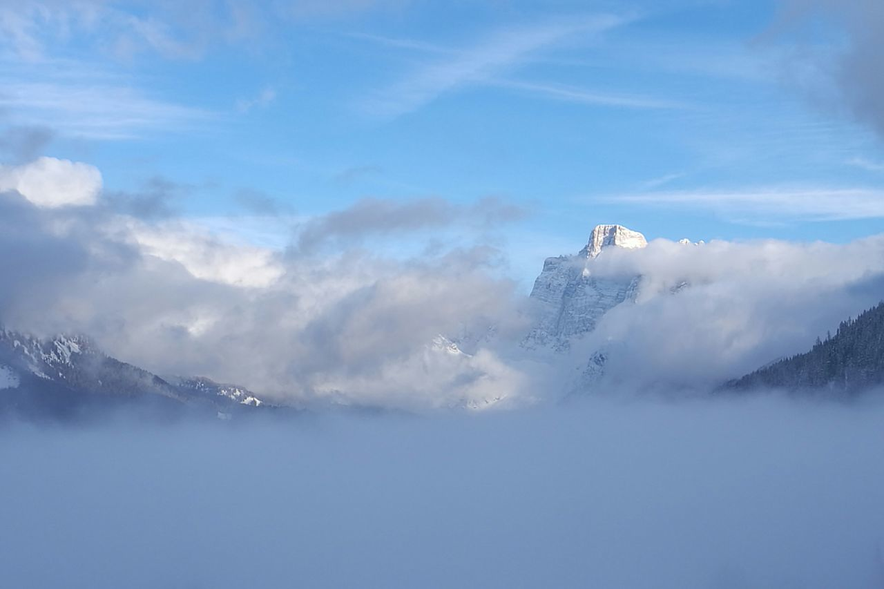Cloud - Sky Outdoors Mountain Pelmo Sun Light White Peace And Quiet No People Nofilter Snow ❄ Heaven Winter EyeEmNewHere