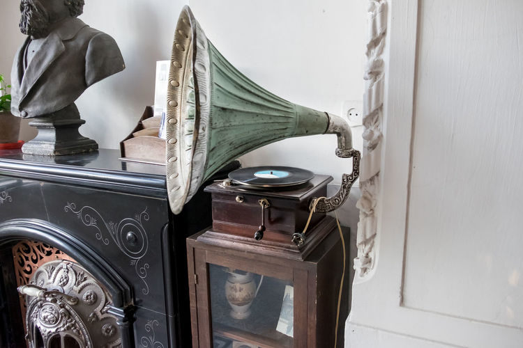 vintage gramophone Gramophone Indoors  Music Old Old-fashioned Phonography  Player Retro TakeoverMusic Vintage