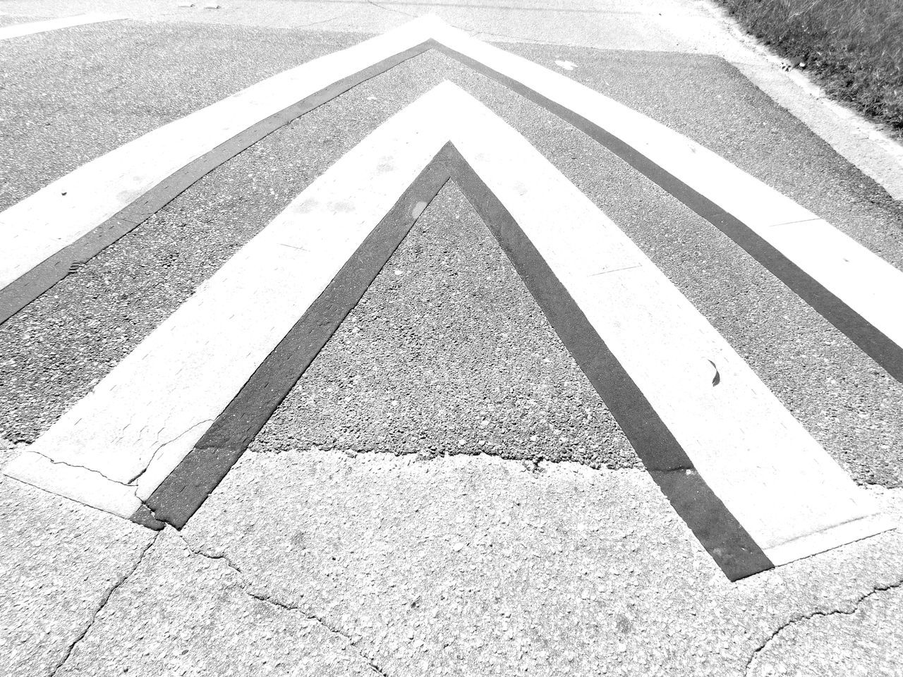Monochrome Photography Streetphotography Urban Geometry On The Road Notes From The Underground Random Acts Of Photography Urban Exploration Shapes And Lines Outdoors Shapes , Lines , Forms & Composition Lines And Shapes Lines And Angles Blackandwhite Florida Street City Pattern Pieces