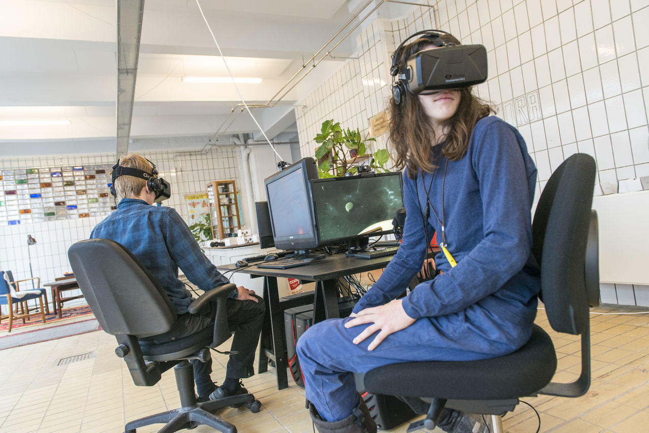Copenhagen, Denmark. 5th February, 2016. Khora is a pop-up space in the meatpacking district of Copenhagen, where people can walk in and try different levels of virtual reality. Schools will be able to come in on field trips, companies can come in to see what is possible with VR. VR enthusiasts will be able to come in and collaborate with fellow content creators. Their goal is to create an environment where ideas about virtual reality can develop and come to life. Credit: Matthew James Harrison Boy And Girl Child Using Virtual Reality Child Using Vr Children Using Vr Copenhagen Copenhagen, Denmark Girl Using Vr Innovation Kødbyen Learning With Virtual Reality Learning With Vr New Technology Oculus Rift Virtual Reality Virtual Reality Gaming Virtual Reality Glasse Virtual Reality Headset Virtual Reality Simulator Virtual Reality World Vr Vr Gear Vr Glasses Vr Goggles Vr Headset Vr Learning