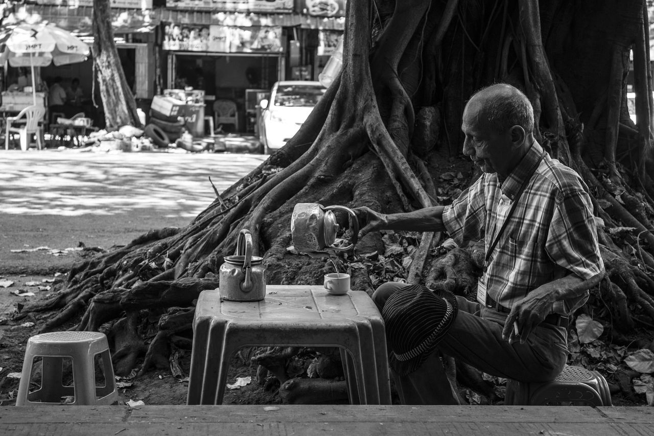 Platform Cafe Random Life Streetphotography Old Man Street Life Canon Eos M2 Yangon Myanmar