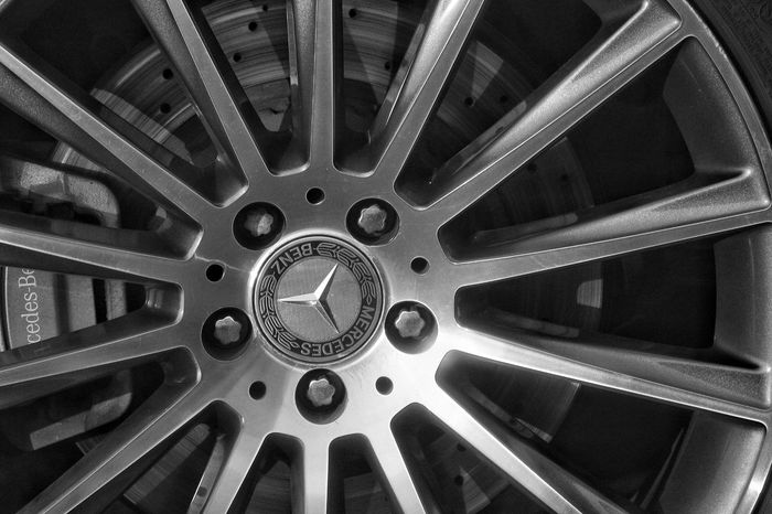 Mercedes Benz Class: S Close-up Geometric Shape Modern No People Curve Circle Outdoors Photography In Motion Tranquility Scenics Car Wheel Motion Blackandwhite Vintage Vintage Cars Travel Doha City Rims Journey Antiquity Photography Canon Canon700D