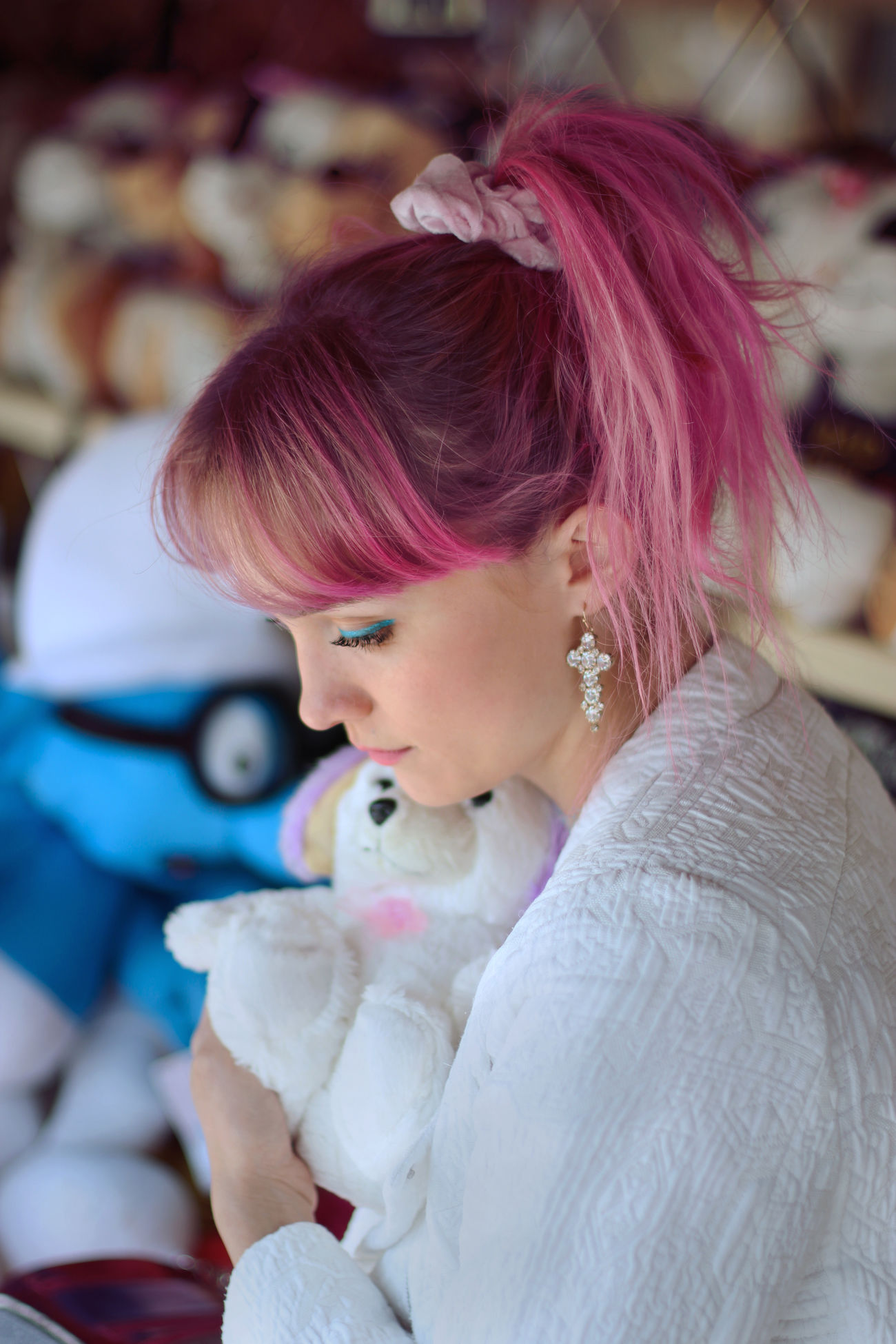 Bangs Cuddle Cute Cuteness Cuteness Overload Dyed Hair Fluffy Toys Girl People Pink Pink Hair Portrait Toys