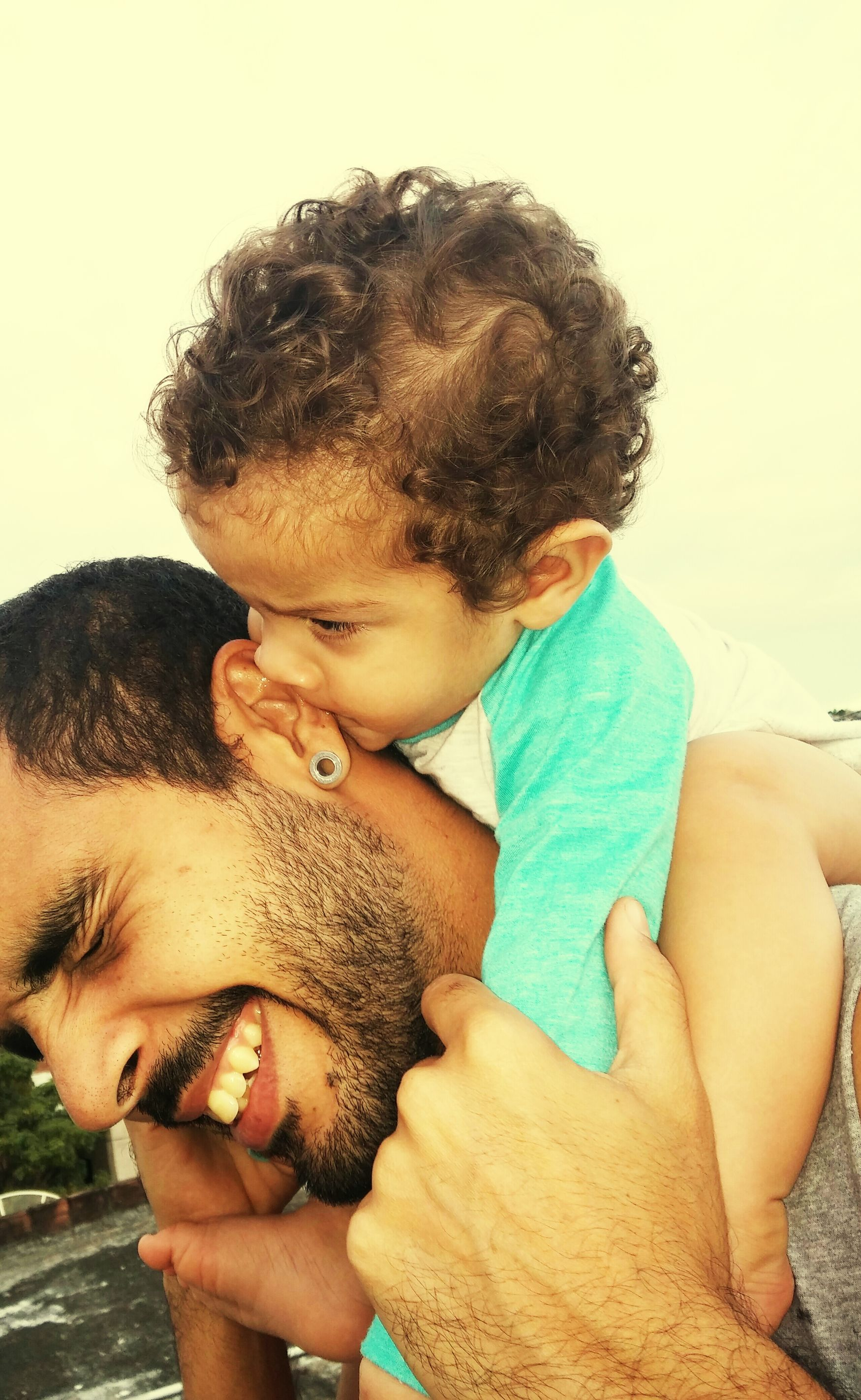 """""""Você vai fazer o que eu quero ou vou arrancar a sua orelha!"""" Adventurefamilytime Enjoying Life Heitor Baby Boy Modern Father"""