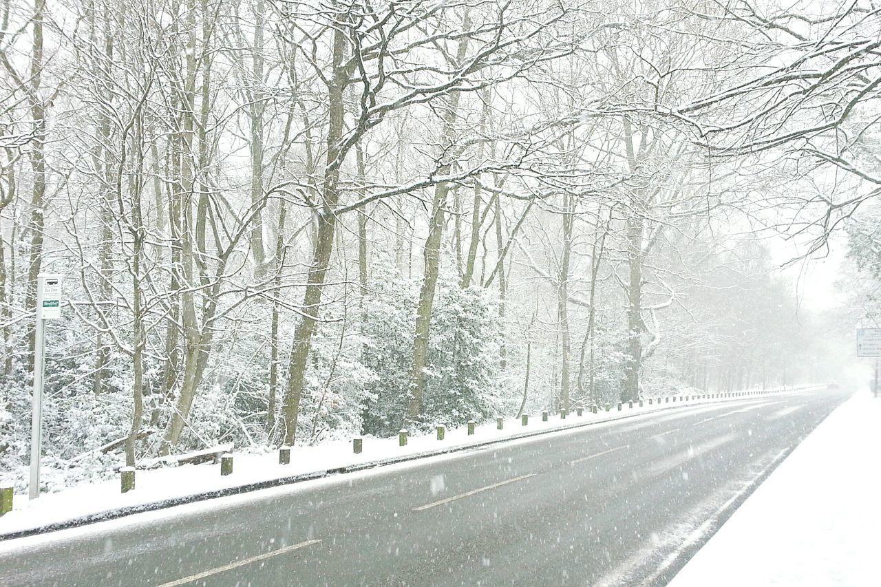 Woking England🇬🇧 Snowing Snow