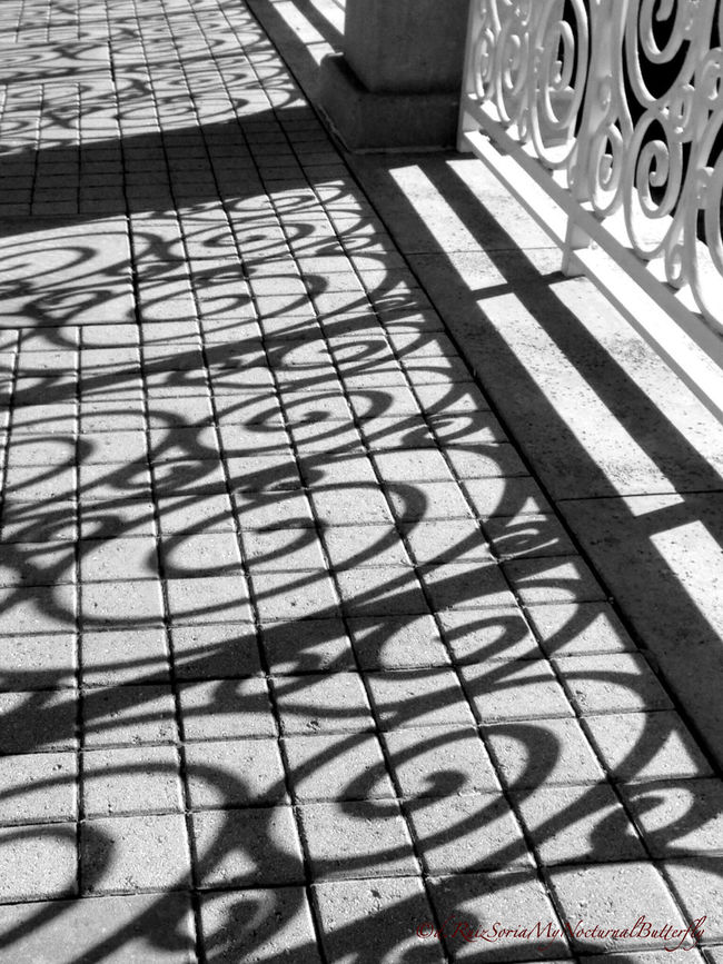 Textures And Surfaces Bw_collection EyeEm Best Shots - Black + White Light And Shadow Black And White Texture El Color De La Oscuridad Y La Luz Streetphotography Streetphoto_bw Urban Geometry