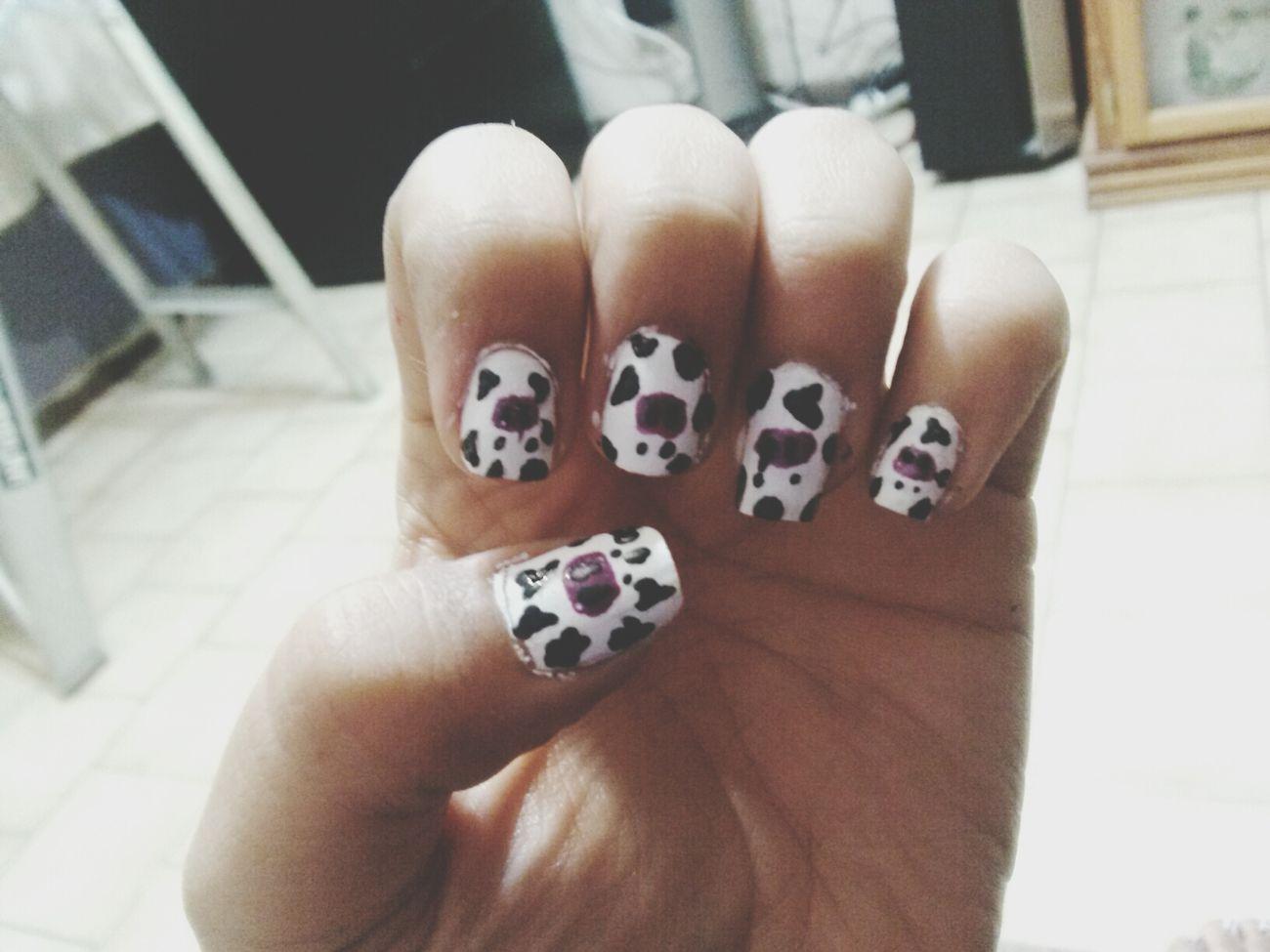 Nails <3 Muuuu . Vacas Black