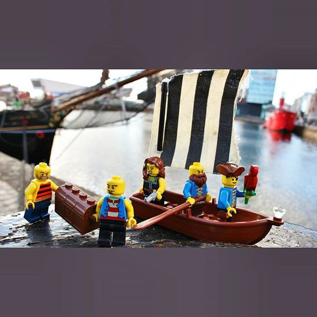 The crew managed to find some buried treasure down at the Albert Dock. It was the Liverpool Pirate Festival! LEGO Legominifigures Legopirate Pirate Pirates Liverpoolpiratefestival Liverpoolpiratefestival2015