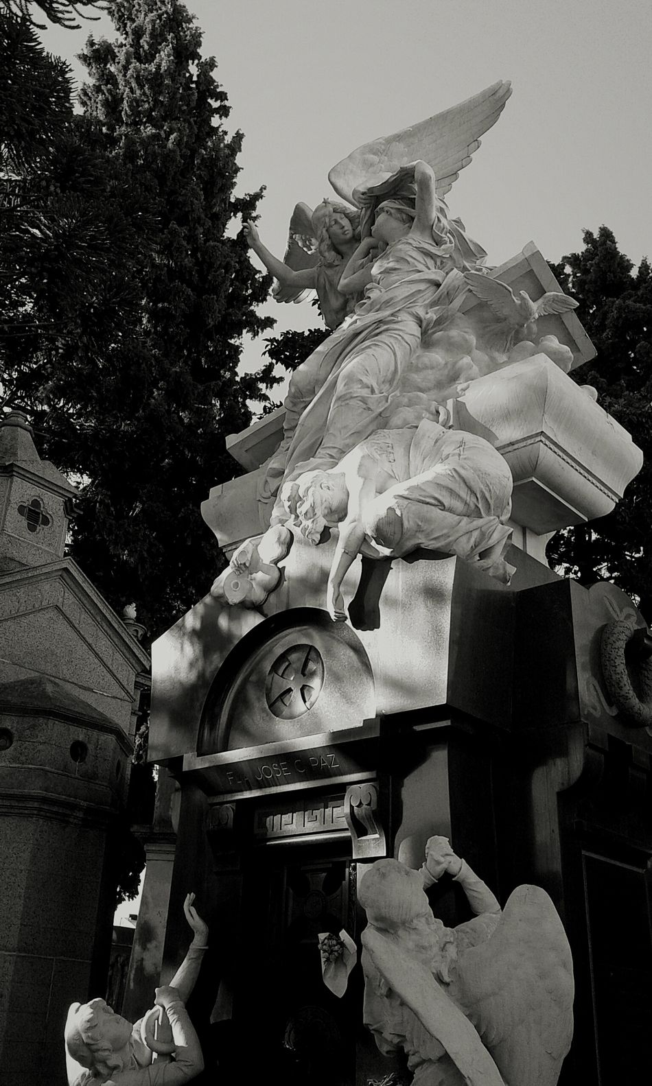 Taking Photos Check This Out Recoletacementery Buenos Aires, Recoleta Discover Your City City Life City Lights Citylife City Cityscapes